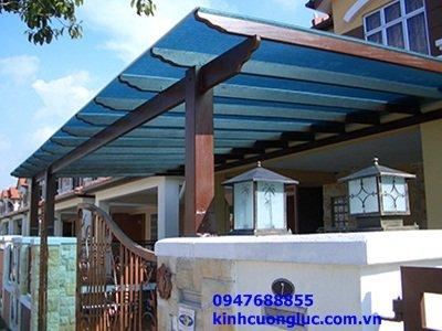 Mái kính màu xanh biển