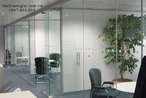 Vách kính văn phòng giá rẻ tphcm